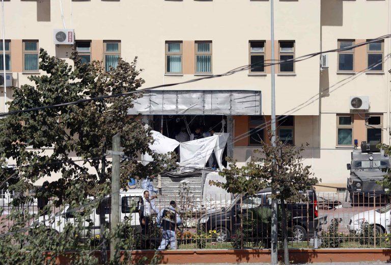 Νεκρός και τραυματίες στην Κωνσταντινούπολη από την επίθεση καμικάζι   Newsit.gr