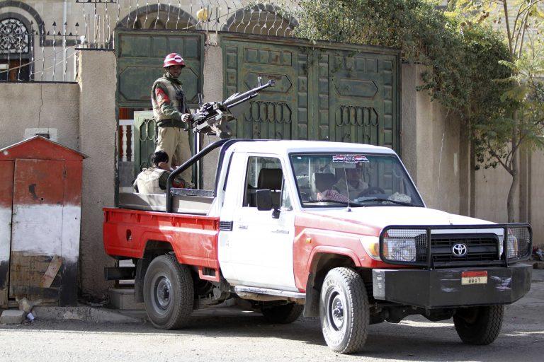 Φυλή της Υεμένης πούλησε 3 δυτικούς στην Αλ Κάϊντα! | Newsit.gr