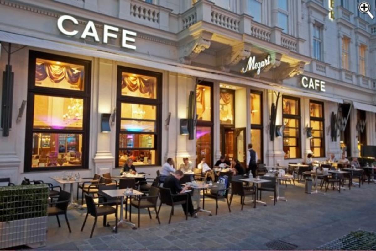Κρήτη:Έκαναν 5.500 χιλιόμετρα με μηχανή,για να κάτσουν στην πιο διάσημη καφετέρια! | Newsit.gr