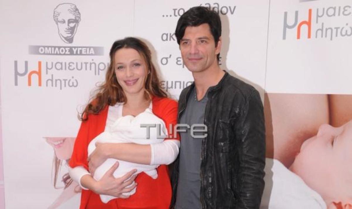 Σάκης – Κάτια: Επιστροφή στο σπίτι με την κορούλα τους! Φωτογραφίες | Newsit.gr