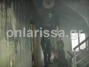 Λάρισα: Υπό κράτηση η μητέρα του 4χρονου που θα καιγόταν ζωντανός σε σπίτι χωρίς ρεύμα [pics, vid]