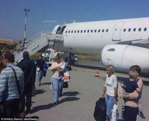 Κρήτη: Πτήση τρόμου με αναγκαστική προσγείωση – Το αεροπλάνο βούτηξε 18.000 πόδια [pics]