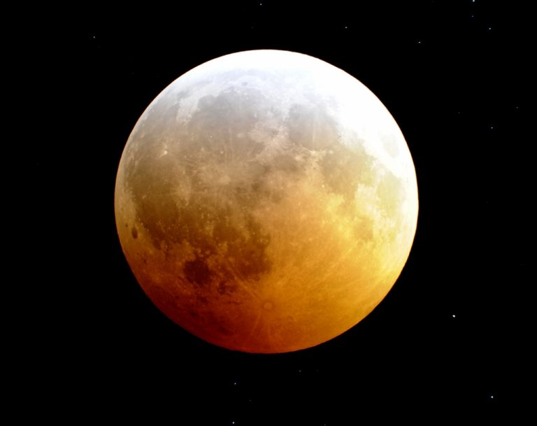 Καρέ – καρέ η ολική έκλειψη σελήνης – Εγινε την πιο μεγάλη νύχτα του χρόνου | Newsit.gr