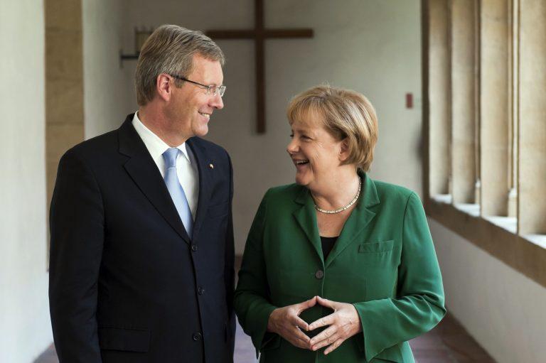 Σύμβουλος της Μέρκελ προτείνει »κούρεμα» του χρέους κατά 50% | Newsit.gr