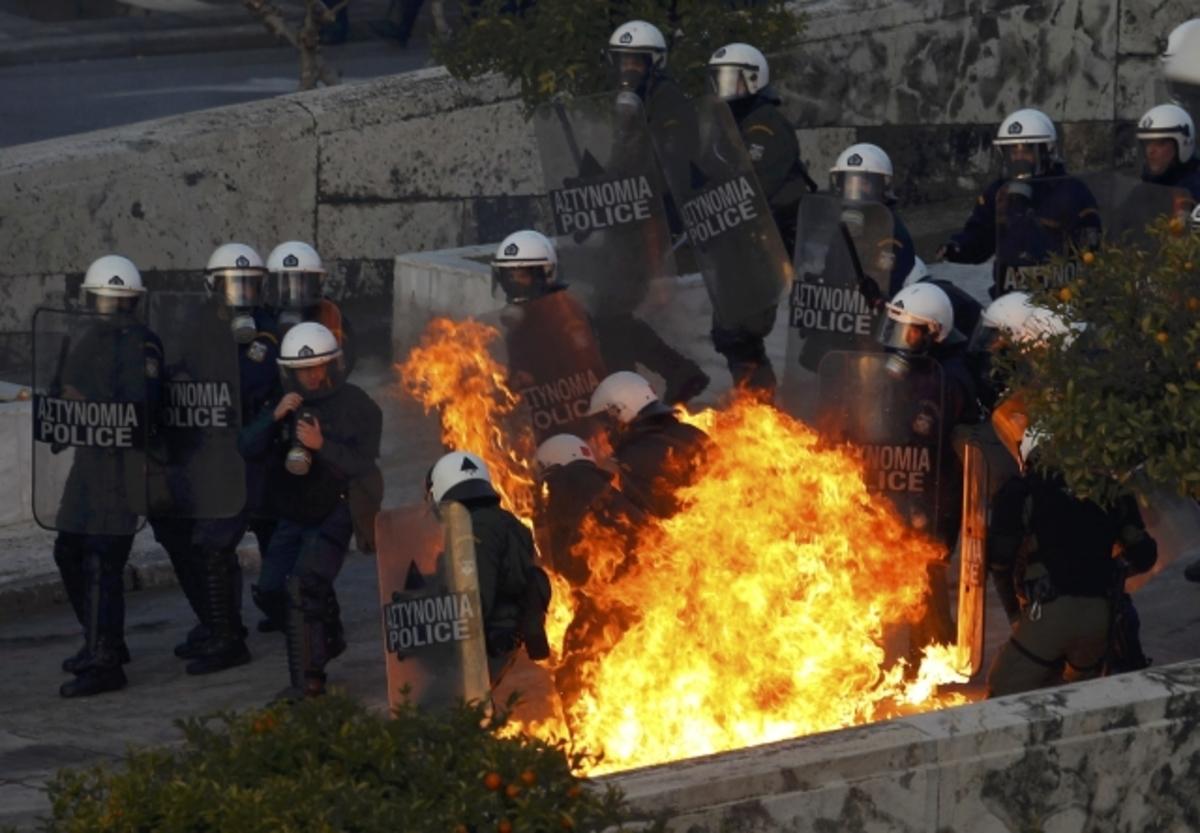 Τα επεισόδια με τον φακό του Reuters | Newsit.gr