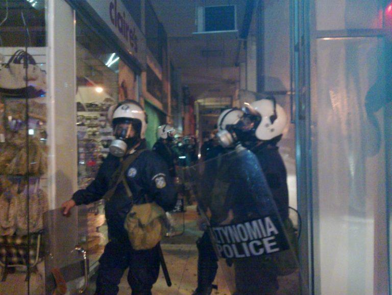 Πάτρα: Μολότοφ,ξύλο και χημικά έξω από την Α'ΔΟΥ – Δείτε βίντεο!   Newsit.gr