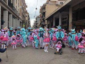 Πατρινό Καρναβάλι: 10.000 παιδιά στην παρέλαση των μικρών [pics, vids]