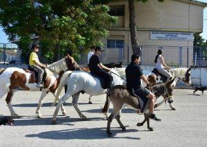 Εκλογές 2015 – Αργολίδα: Πήγαν να ψηφίσουν με γαϊδούρια σε ένδειξη διαμαρτυρίας (Φωτό)!