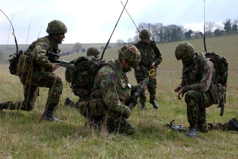 Οι Βρετανοί στρατιώτες ζητάνε πίσω …τα λουκάνικα και τα φασόλια τους! | Newsit.gr