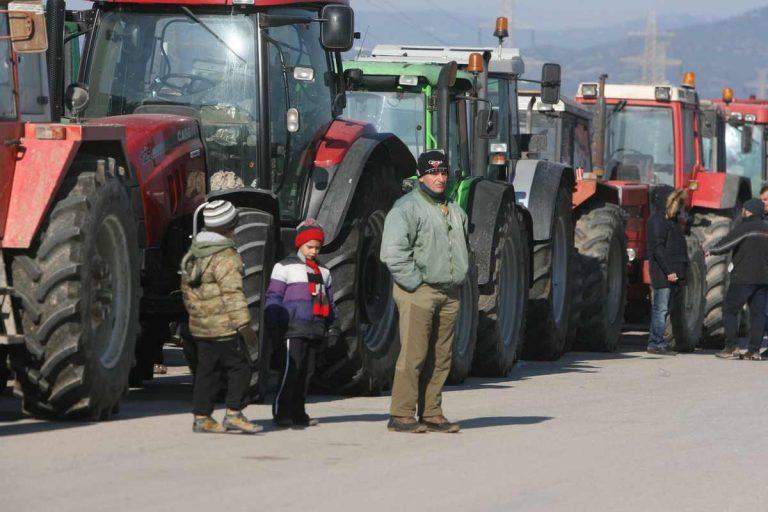 Μπλόκα Αγροτών: Νέα τρακτέρ στις Μικροθήβες – Απέκλεισαν εφορίες στον Βόλο!   Newsit.gr
