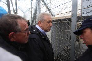 Μυτιλήνη: Επίσκεψη Αβραμόπουλου και Μουζάλα για το προσφυγικό – Οι νέες αφίξεις μεταναστών!