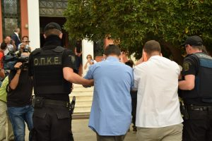 Αλεξανδρούπολη: Ξαφνική αλλαγή για τους 8 Τούρκους αξιωματικούς – Οι προσωπικές ιστορίες που συγκίνησαν τους αστυνομικούς!