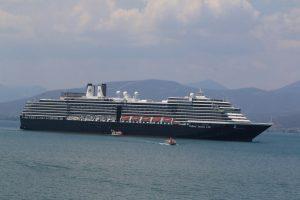 Βόλος: Έδεσε το πρώτο κρουαζιερόπλοιο της φετινής περιόδου με 1.172 τουρίστες!
