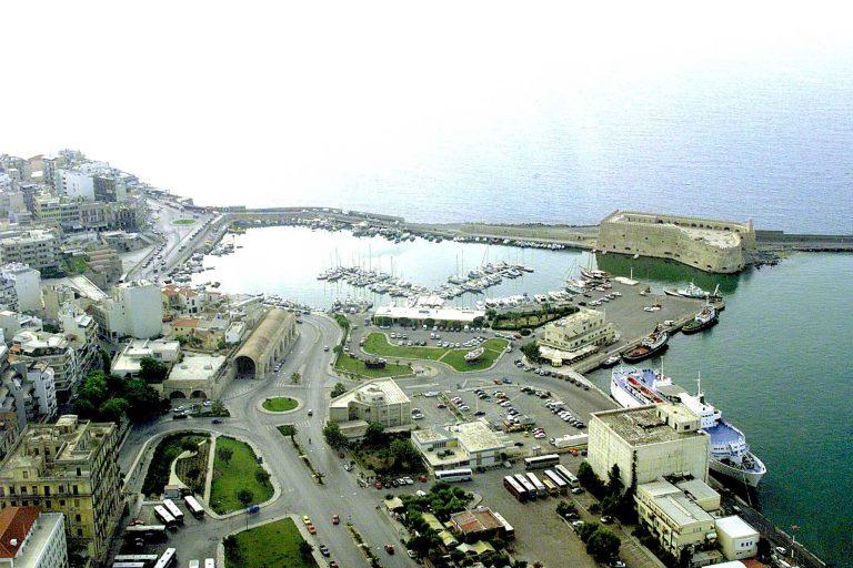 Ηράκλειο: Πρόστιμα σε ξενοδόχους που έχτιζαν στη θάλασσα! | Newsit.gr