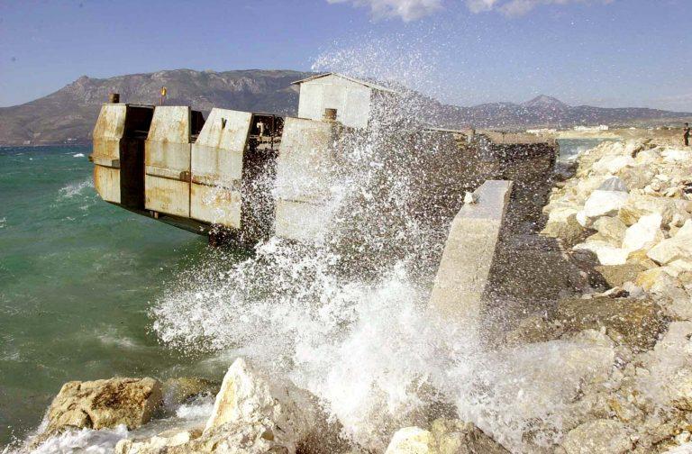 Μυτιλήνη: Περπατούσε και αντίκρισε πτώμα ημίγυμνης γυναίκας στο λιμάνι!   Newsit.gr