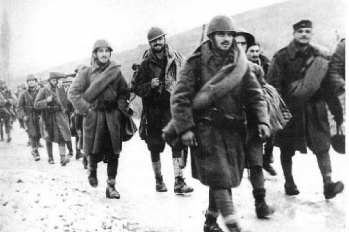 28η Οκτωβρίου 1940: Η ομηρία 5 Ιταλών πιλότων από έναν Κρητικό αγροφύλακα! [pics] | Newsit.gr