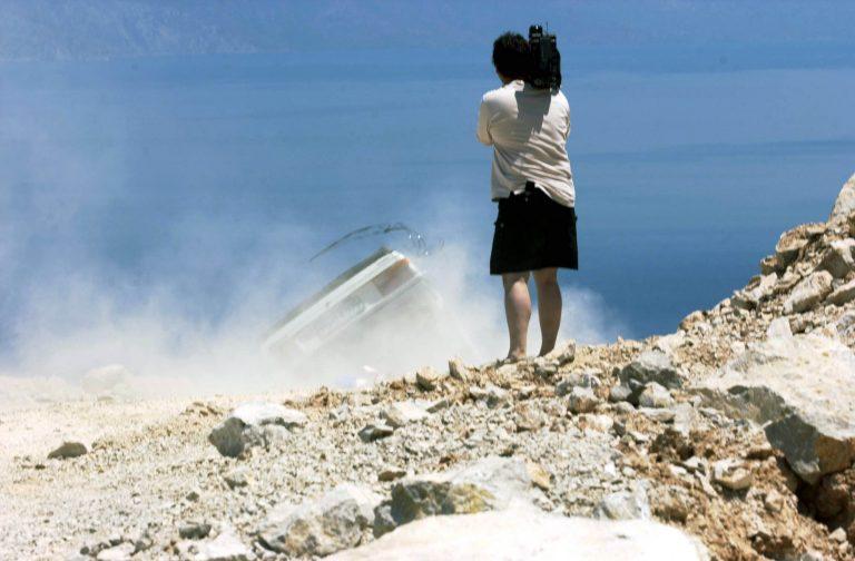 Κρήτη: Σκουπιδιάρικο έπεσε σε γκρεμό και τυλίχθηκε στις φλόγες! ΒΙΝΤΕΟ | Newsit.gr