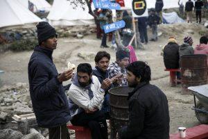 Ειδομένη: Η οργή των πεινασμένων προσφύγων – Δεν αναλαμβάνει ο στρατός τη σίτισή τους!