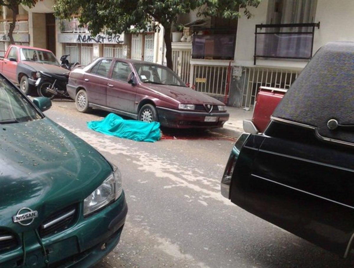Σοκ από αυτοκτονία εφοριακού – Βούτηξε στο κενό από τον 3ο όροφο! | Newsit.gr