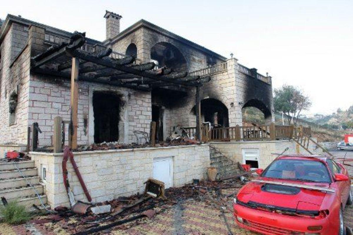 Κρήτη:Φωτιές…βεντέτας -Έκαψαν μεζονέτες και ζωντάνεψαν εφιάλτες! | Newsit.gr