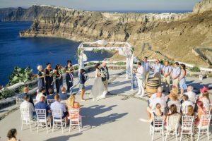 Σαντορίνη: Εφιάλτης την πρώτη νύχτα γάμου – Ξέσπασε η νύφη μέσα στην πολυτελή βίλα [pics]