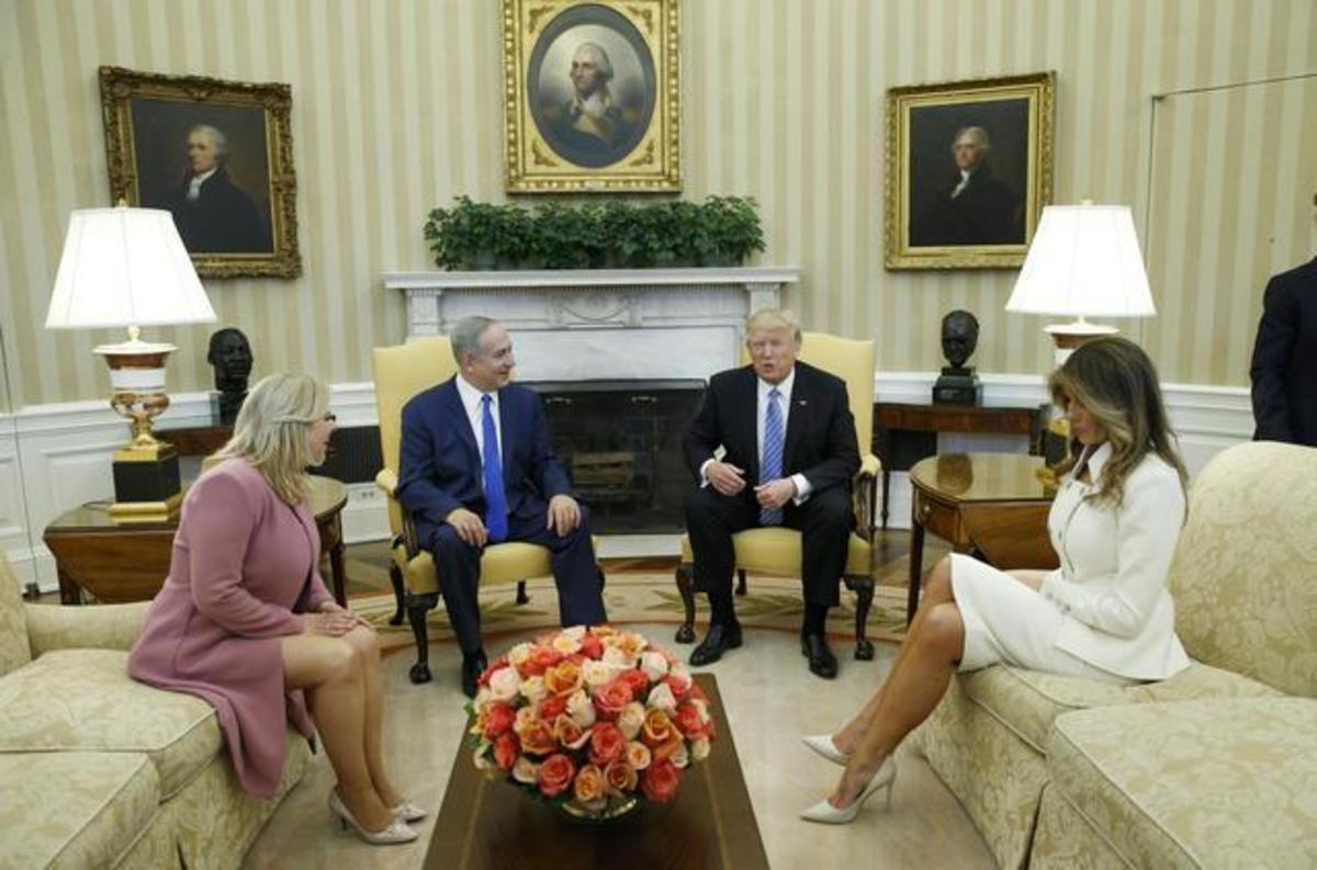 Μελάνια Τραμπ: Υπέρλαμπρη! Το «σταυροπόδι» της Πρώτης Κυρίας [pics] | Newsit.gr