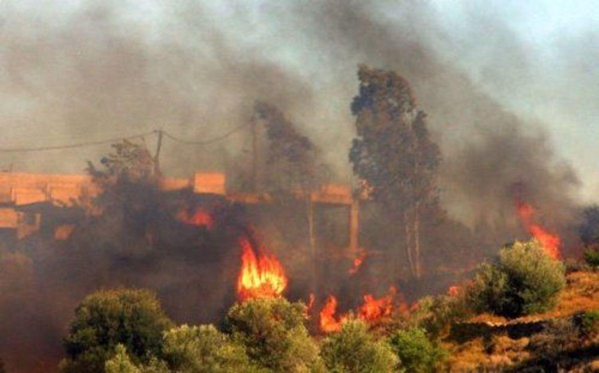 Ρέθυμνο: Η φωτιά στο Καστρί δεν απειλεί τον οικισμό | Newsit.gr