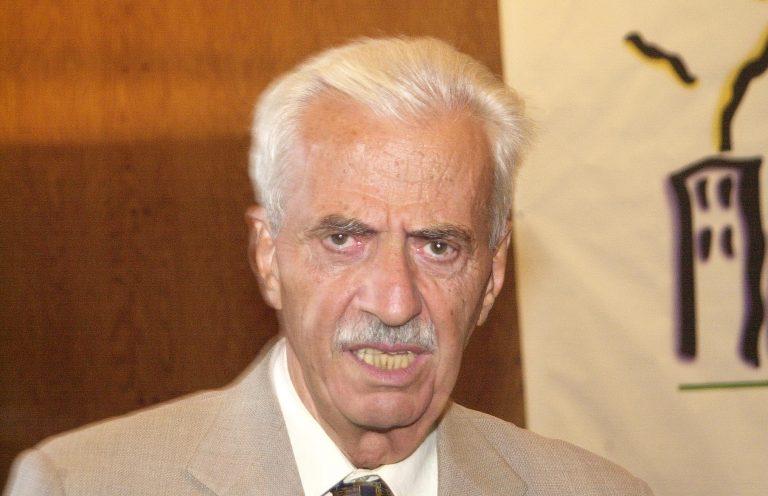 Πέθανε ο πρώην δήμαρχος Αθηναίων Δημήτρης Μπέης | Newsit.gr