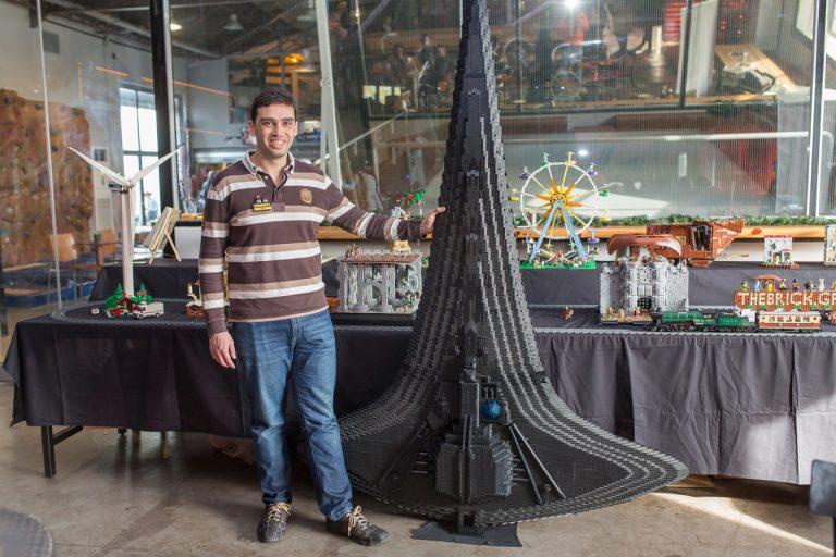Θεσσαλονίκη: Πολέμαγε 6 χρόνια και τελικά έφτιαξε το διαστημόπλοιο που βλέπετε [pics]