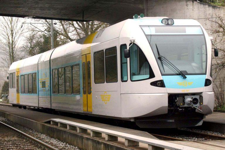 Τρένο παρέσυρε οδηγό αγροτικού στη Λαμία | Newsit.gr