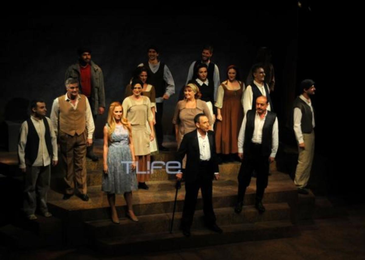 Θεατρική πρεμιέρα για τον Κώστα Καζάκο! Δες φωτογραφίες | Newsit.gr