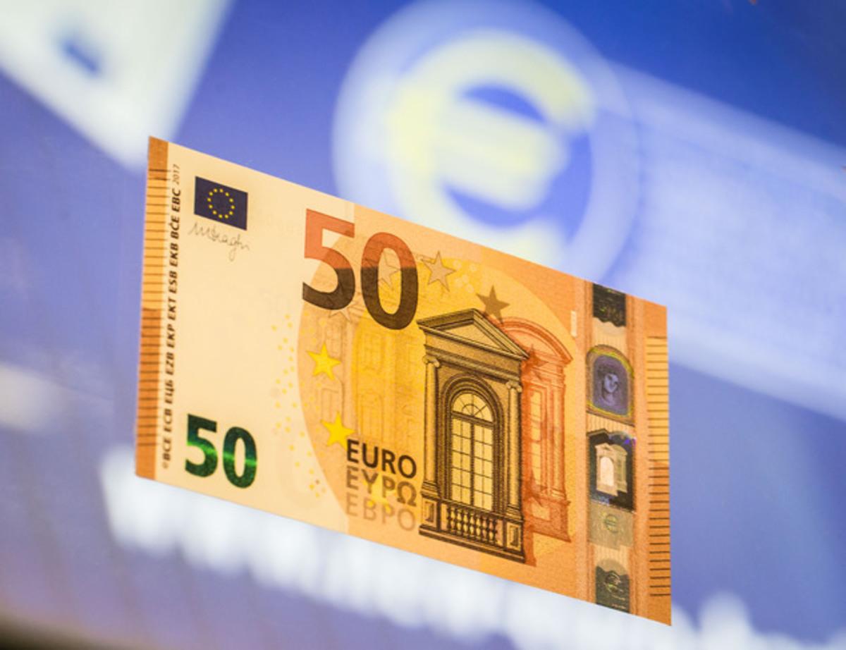 Από σήμερα το νέο χαρτονόμισμα των 50 ευρώ – Τι πρέπει να γνωρίζετε για να το …αναγνωρίζετε