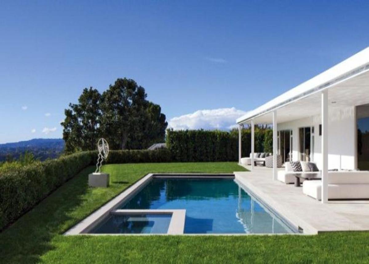 Αυτό είναι το νέο σπίτι του Elton John και του συντρόφου του! Δες τις φωτογραφίες! | Newsit.gr