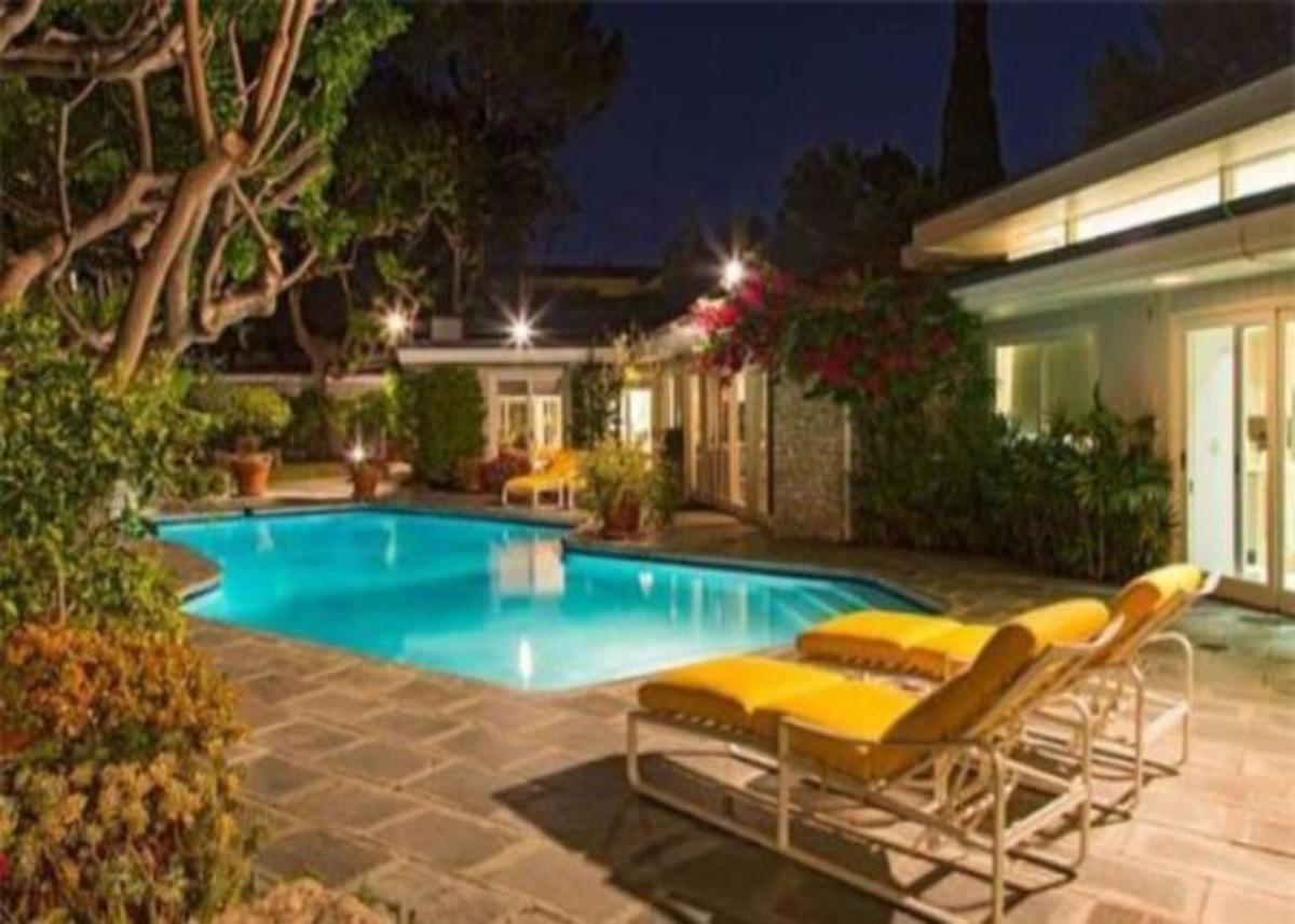 Πωλείται το παλιό σπίτι του Elvis! | Newsit.gr