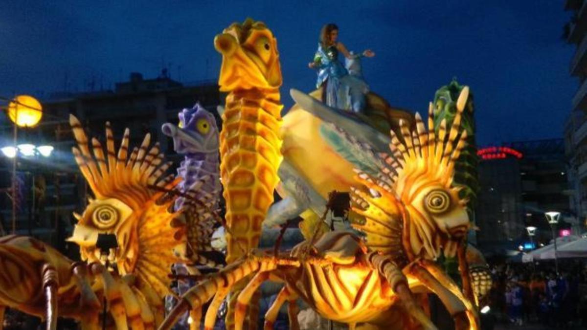 Πάτρα: Το καρναβάλι μέσα από φωτογραφίες και βίντεο – Χρώμα, κέφι και φαντασία! | Newsit.gr