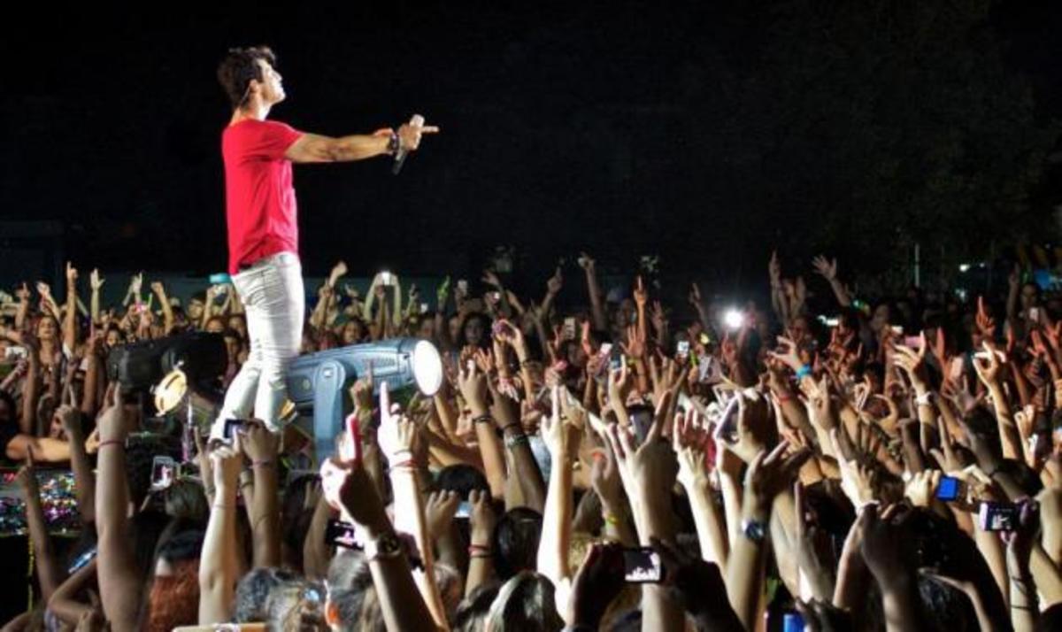 Σάκης Ρουβάς: Ολοκλήρωσε τις συναυλίες του με μία μοναδική βραδιά στην Κύπρο! | Newsit.gr