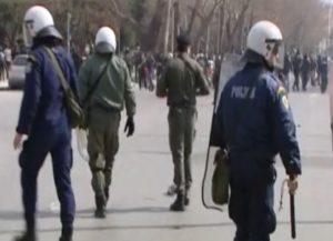 Θεσσαλονίκη: Επεισόδια στον Λευκό Πύργο – Ξύλο αντιεξουσιαστών με εθνικιστές – Χημικά, δακρυγόνα και χτυπήματα [pics, vids]