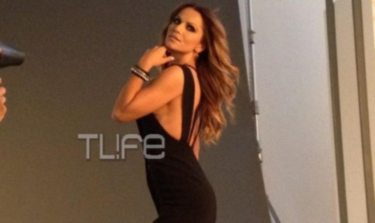 Σ. Πασχάλη: Ποζάρει στο φακό της Ρ. Ρέβη με εντυπωσιακά φορέματα! Backstage φωτογραφίες   Newsit.gr