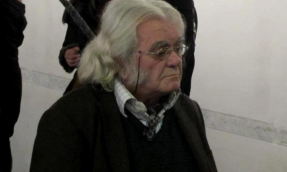 Πάτρα: Έκλεψαν την προτομή του πατέρα του – Θύμα ο γλύπτης Διονύσης Γερολυμάτος! | Newsit.gr
