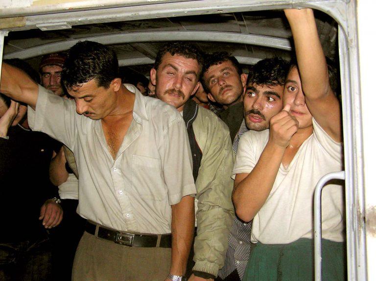 Πάτρα: Λαθρομετανάστες κρυμμένοι στο σασί φορτηγού | Newsit.gr
