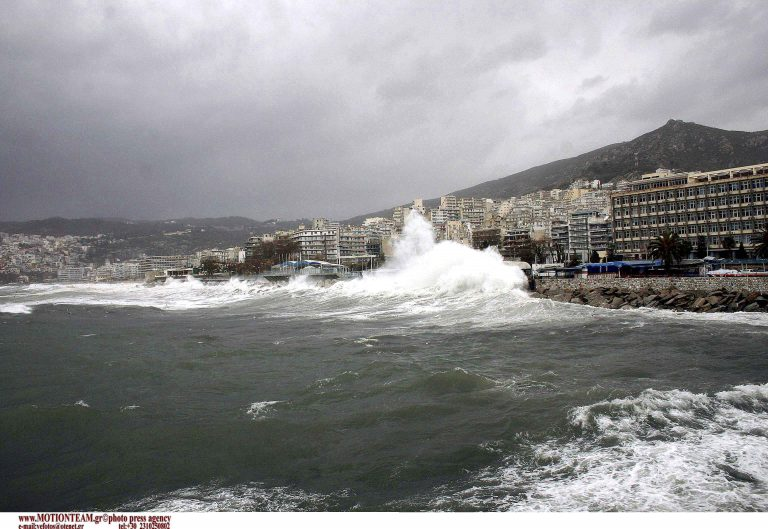 Σφοδροί άνεμοι 12 μποφόρ στην Ηλεία | Newsit.gr