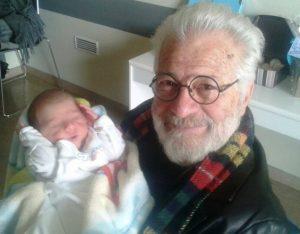 Κρήτη: Εγγονός του Ανδρέα Σμαραγδή ο πρώτος μπέμπης του 2017 [pic]