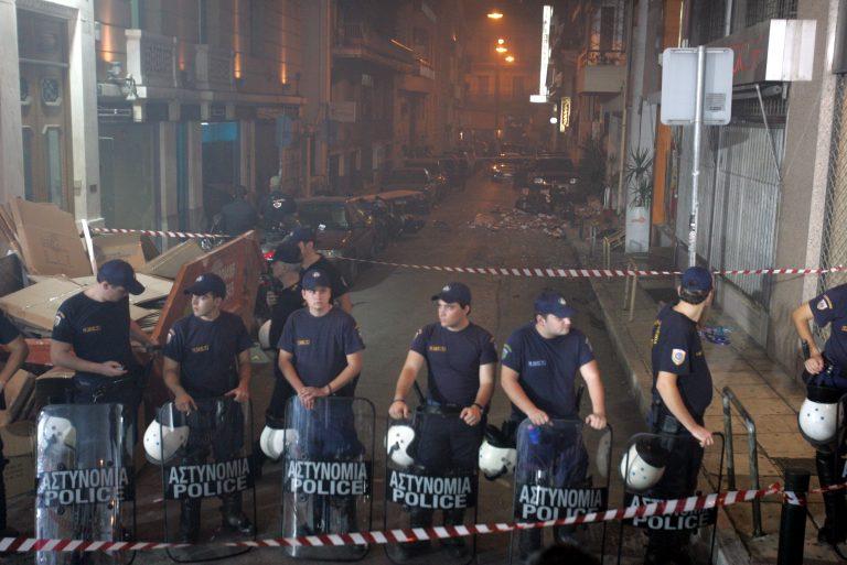 Εκρηξη την ώρα της ομιλίας του Καραμανλή | Newsit.gr