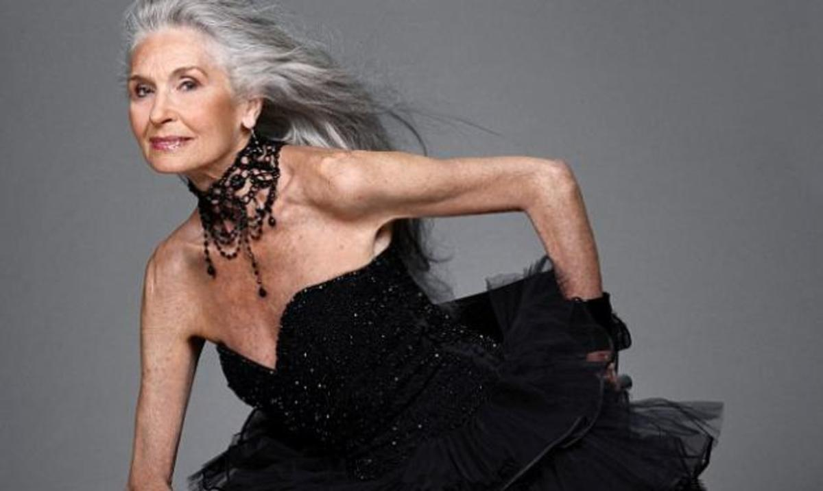 Super model ετών 83! Δες φωτογραφίες | Newsit.gr