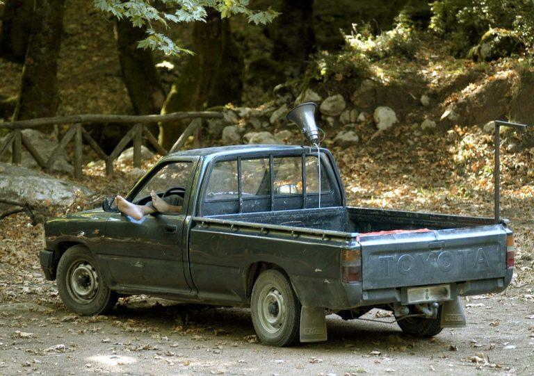 Πρέβεζα: Πέρασαν για νεκρό, οδηγό που κοιμόταν στο αυτοκίνητό του! | Newsit.gr