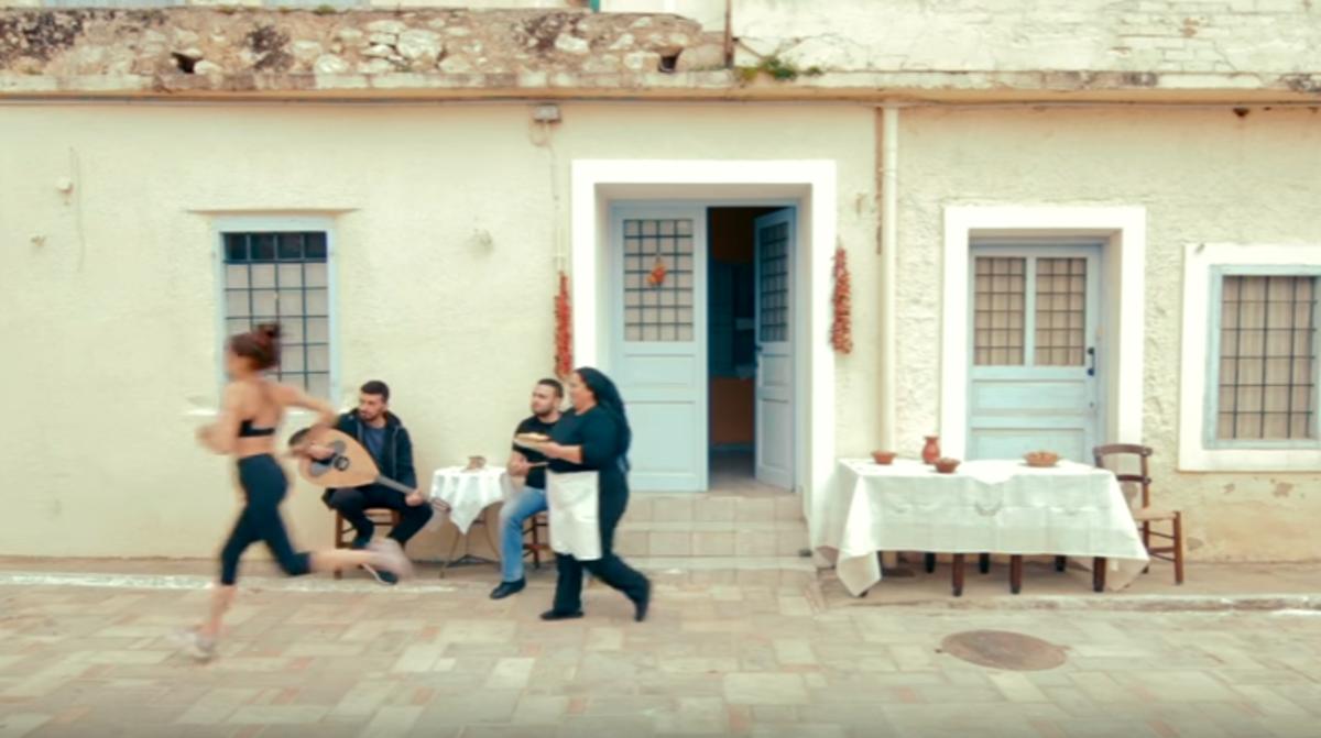 Κρήτη: Οι τηγανόπιτες της γρήγορης γιαγιάς – Απολαυστικό βίντεο που σαρώνει το διαδίκτυο [vid] | Newsit.gr