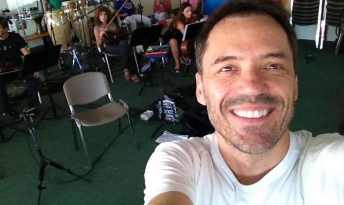 Θ. Καλλίρης – Θ. Πετρέλης: Κάνουν πρόβες στο ΟΑΚΑ για τη συναυλία του Φοίβου! Φωτογραφίες | Newsit.gr