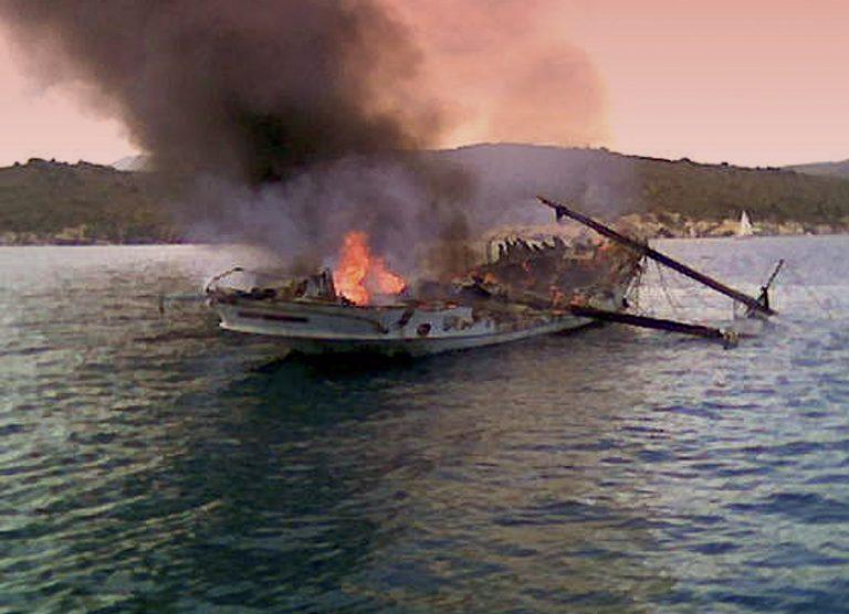 Ρόδος: «Με πλήρωσαν για να βάλω φωτιά στα σκάφη» | Newsit.gr