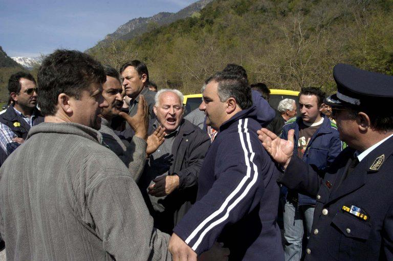 Πέλλα: »Θα μας βρουν μπροστά τους, αν φέρουν λαθρομετανάστες»! | Newsit.gr