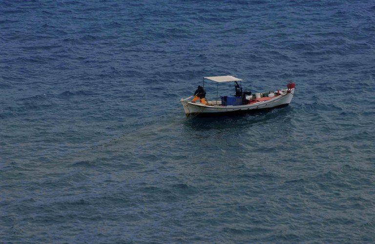 Κέρκυρα: Του »κόπηκε το αίμα»! Τα δίχτυα του, έπιασαν πτώμα άνδρα!   Newsit.gr